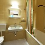 Sanitaire voorzieningen in groepen accommodatie Haus Sportland.